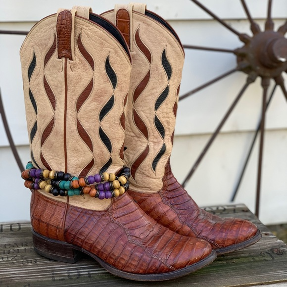 Tony Lama Shoes - Vintage Tony Lama Gator leather cowgirl boots